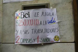 """Banco BCI en primera huelga en 75 años: """"Yarur le da millones a la UDI pero con nosotros no negocia"""""""