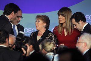 Domicilio en La Moneda y ministros-testigos: Las particularidades de la querella de la ciudadana Bachelet