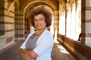 Raza, género, clase, prisión: Siete décadas de lucha y teoría de Ángela Davis