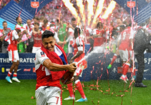 Alexis Sánchez cierra su temporada más goleadora con el título de la FA con el Arsenal