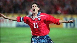 VIDEOS| A 8 años de la despedida del Matador: Un repaso por las mejores jugadas y goles del chileno en sus distintos equipos