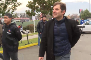 Aníbal Mosa fue increpado por hinchas de Colo Colo en el Estadio Monumental
