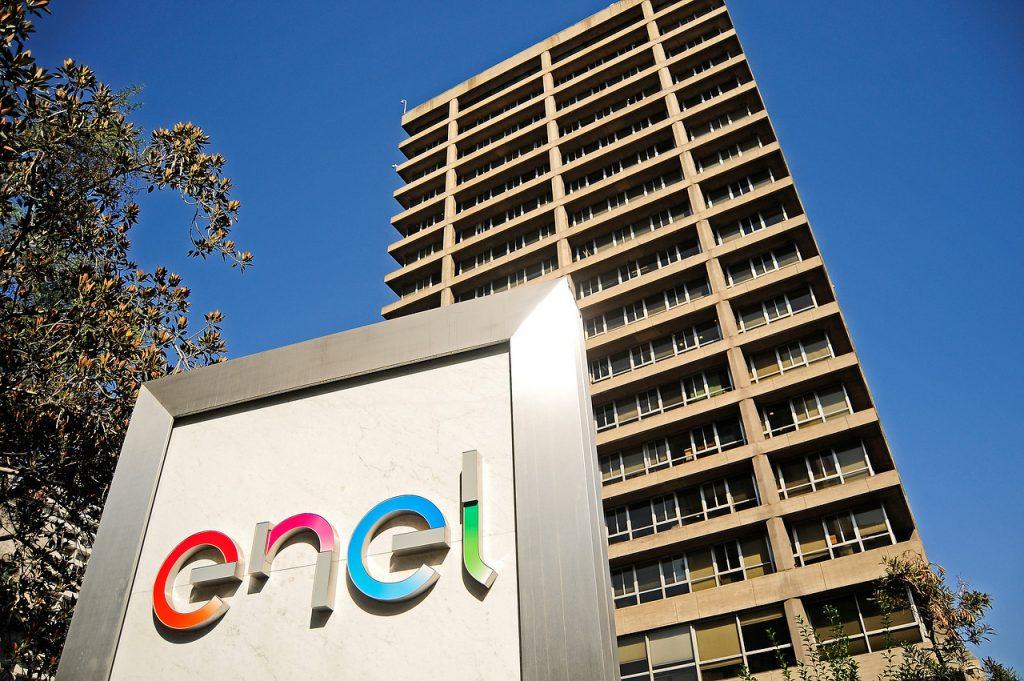 Cliente denunció abusos de Enel: Le cobraron casi 400 mil pesos de luz, adulteraron su medidor