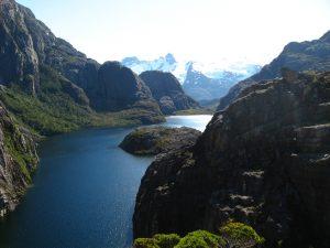 Contraofensiva Kawésqar en la Patagonia chilena: Bloquean 285 solicitudes de concesiones salmoneras