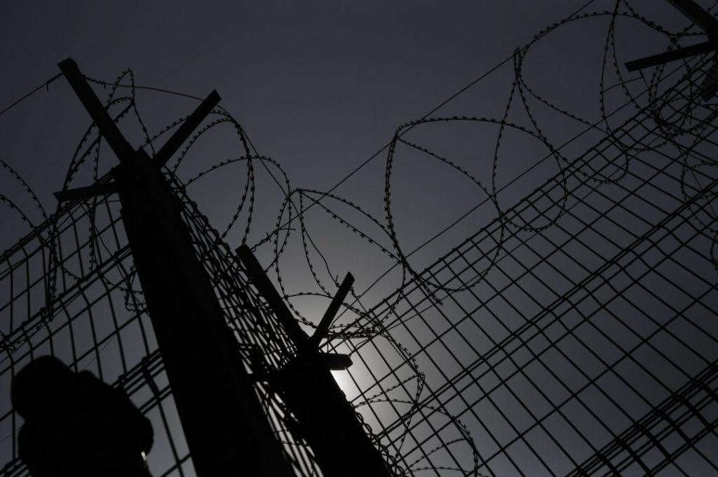 """""""Nadie se ocupa de la pobreza encarcelada"""": Las denuncias que pesaban sobre Gendarmería antes de anunciar un """"chequeo nacional"""""""