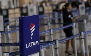 Sindicato intentará acuerdo con LATAM para evitar despido de 2.700 funcionarios