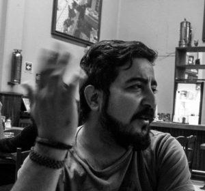 """""""Pedazos de agua"""" de Roberto Contreras: El gesto de saltar al vacío"""