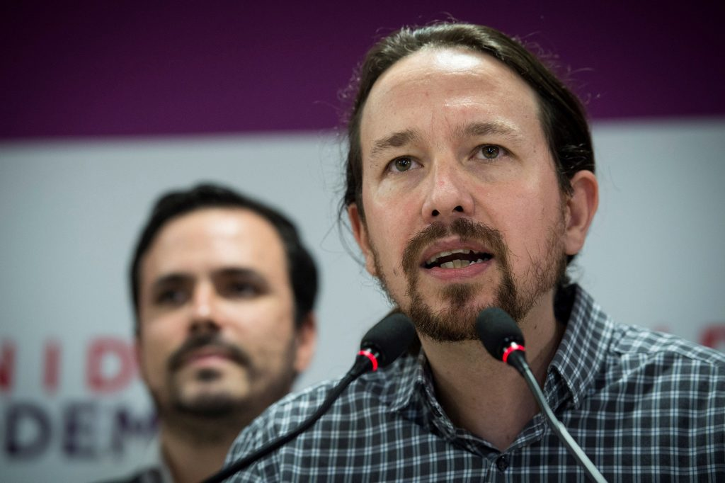 """Pablo Iglesias anuncia que deja todos sus cargos tras derrota en Madrid: """"Hay que saber retirarse"""""""