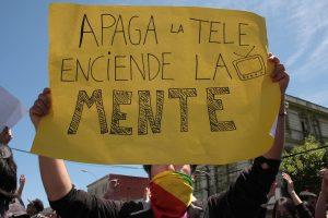 """La""""aclaración"""" de La Tercera, o la vuelta de la DINACOS"""
