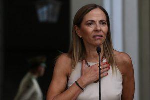 Isabel Plá contra las cuerdas: Los argumentos de las organizaciones feministas para exigir la renuncia de la ministra de la Mujer