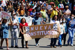 La democracia en peligro: Del oasis al hundimiento neoliberal