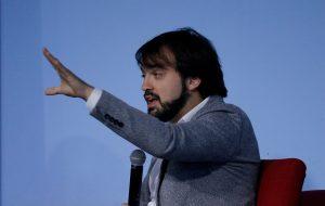 """Jorge Sharp: """"El 'acuerdo por la paz' es solo en el papel porque en Chile se sigue reprimiendo de manera dura"""""""