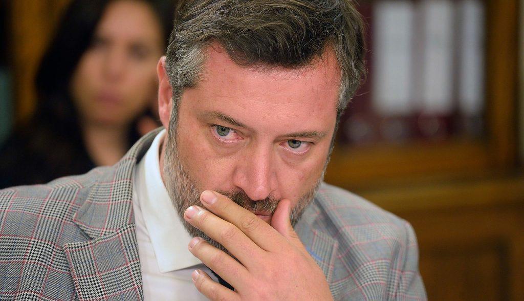 Sichel advierte a parlamentarios sobre cuarto retiro del 10% desatando controversia en las filas de Chile Vamos