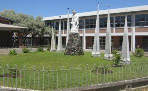 Denuncian por lesbofobia a inspector general del Liceo Polivalente María Reina de Puente Alto