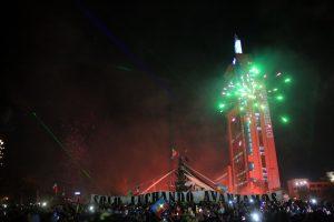Un año nuevo encapuchado: celebrar sin pedir permiso en Plaza de la Dignidad