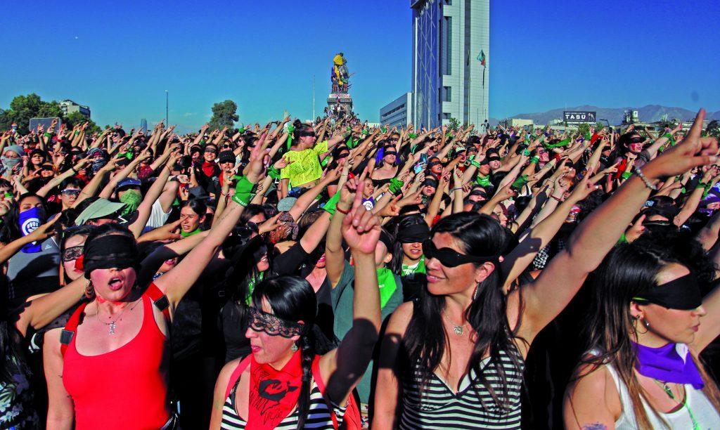 Presentan libro de fotos sobre el estallido chileno en Barcelona