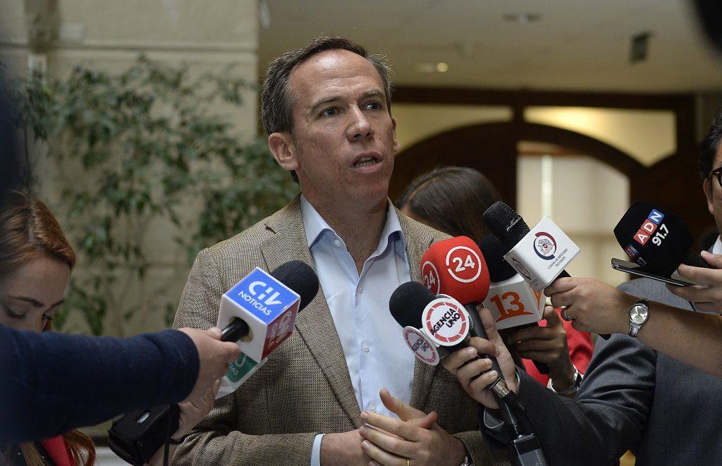 Alessandri presentó proyecto de retiro del 100% de los fondos de pensiones