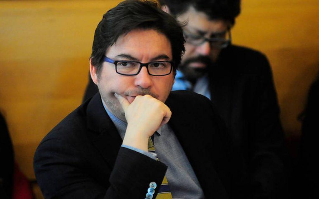 """Marcos Barraza, ex ministro de Bachelet y constituyente por el D13: """"El gobierno de Piñera ha debilitado los derechos sociales"""""""