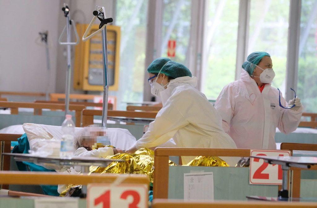 Italia impone toque de queda en dos grandes regiones para frenar al COVID-19