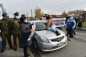 VIDEO | Manifestantes funan a ministro Isamit en Coronel: Exigen cuarentena y medidas más restrictivas en la zona