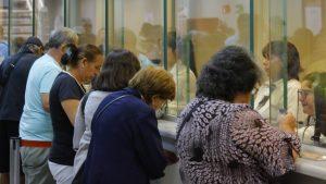 """Ex superintendente de Pensiones fustiga proyectos para retirar 100% de las AFP: """"No dan solución a un problema real"""""""