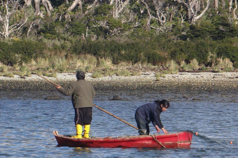 Salmoneras en Chile: la defensa de la Reserva Nacional Kawésqar