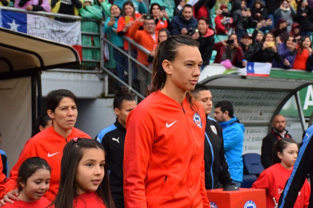 """Selección Chilena Femenina acusa discriminación de la ANFP: """"Estamos jugando algo más importante que los hombres"""""""