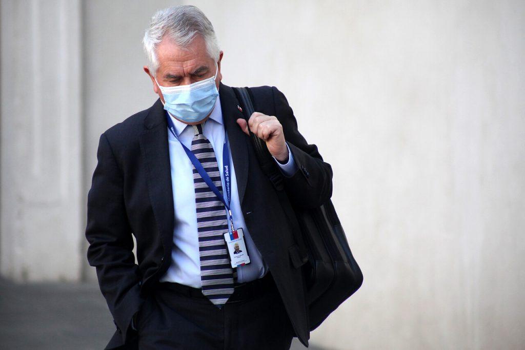 La hora de la verdad de Paris: Minsal admite que hay 3,2 veces más enfermos de COVID-19 de lo que se ha detectado