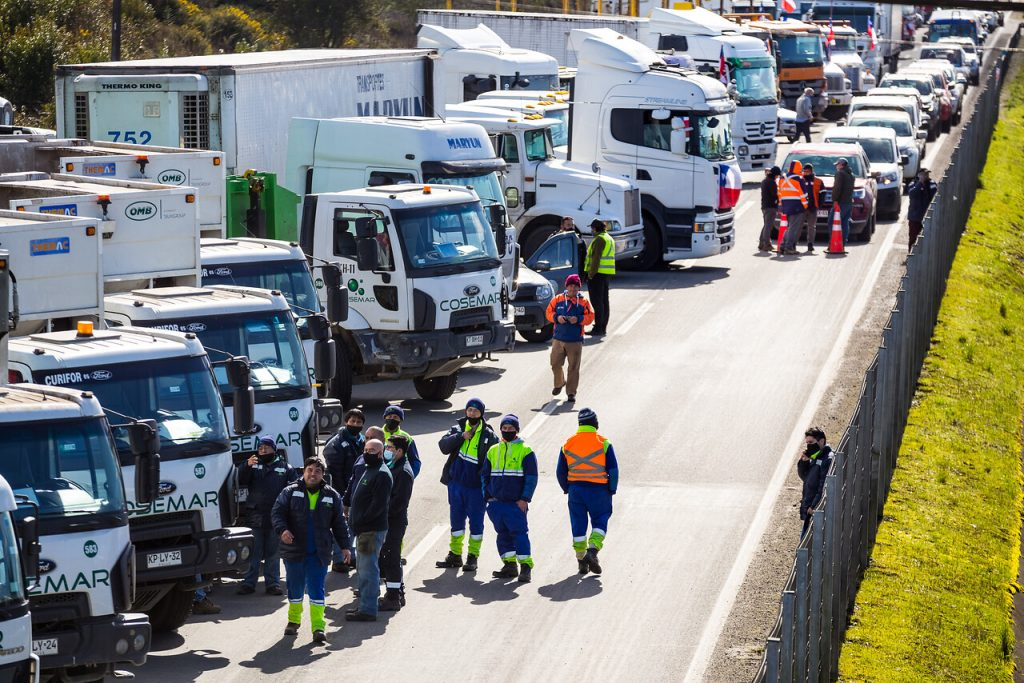 Paro de transportistas: Camionero muere atropellado en la Ruta 5 Sur