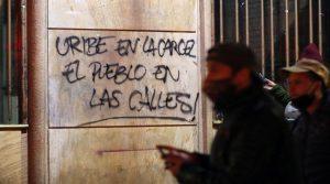 Casa por cárcel para Álvaro Uribe