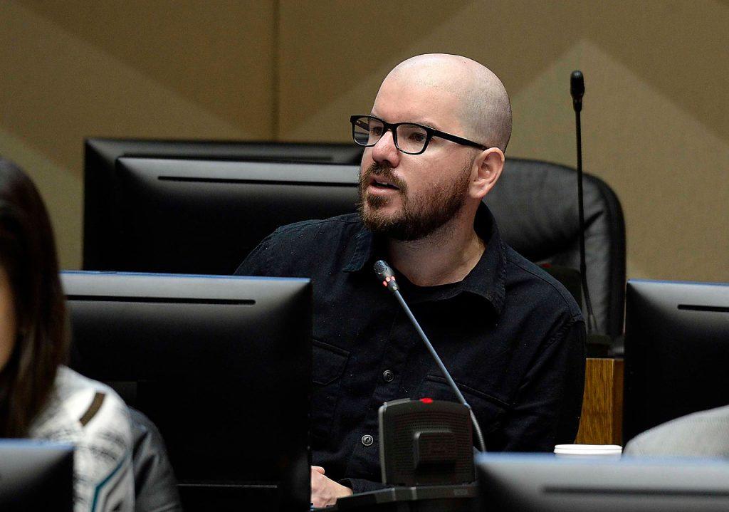 """Engaño comunicacional"": Comisión de Ética sanciona Giorgio Jackson por declaraciones sobre donación de dieta"