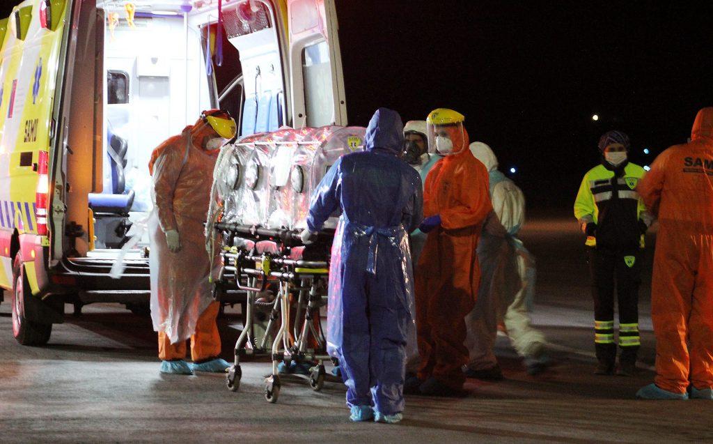 Minsal informa una leve baja de contagios en su reporte diario del COVID-19 en Chile