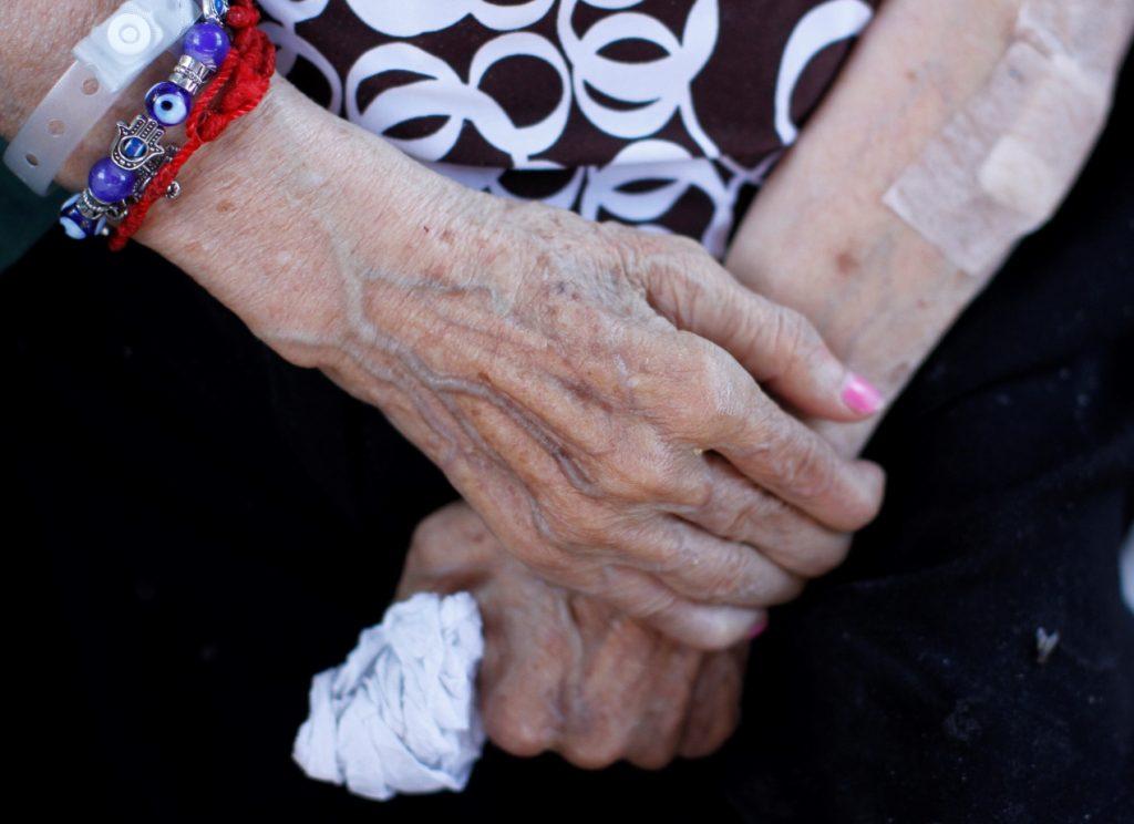 El Quisco: Detienen a hombre que mantenía a adulta mayor de 81 años encerrada en una bodega