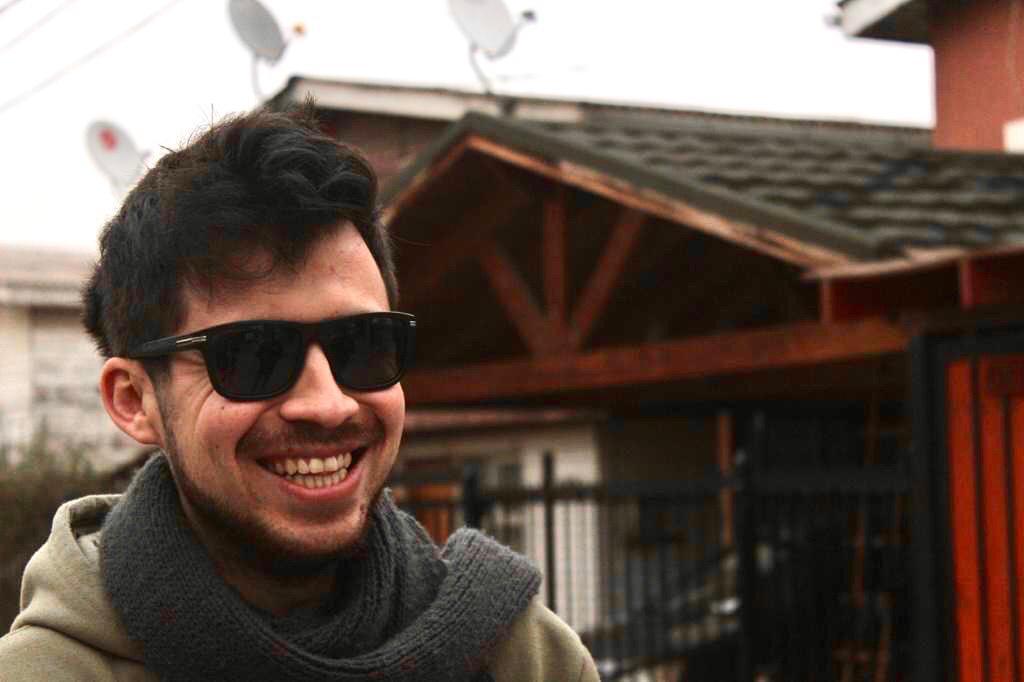 La oscura vida radiante de Gustavo Gatica: Retrato íntimo a diez meses que le arrebataran su visión
