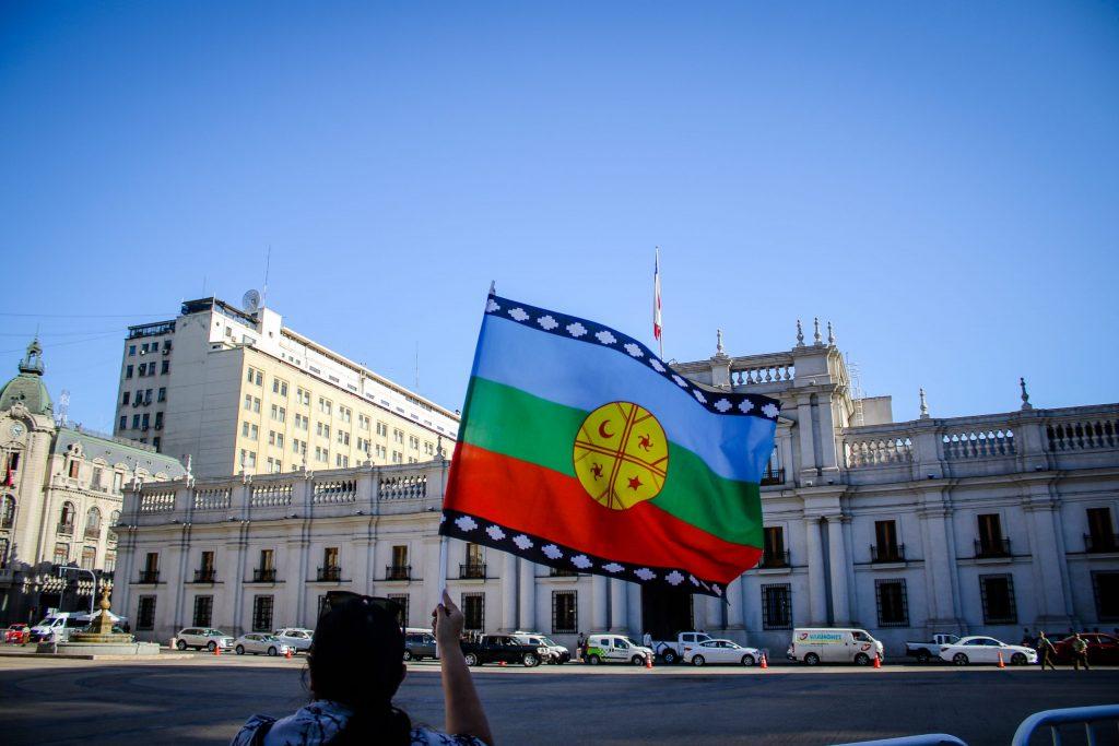 Comunidades mapuche se querellan contra Presidente Piñera por genocidio