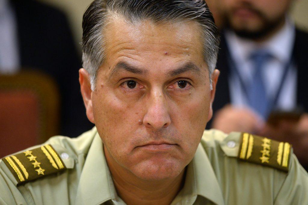 Mario Rozas se aferra en su puesto y propondrá a Piñera la salida de al menos ocho generales de Carabineros