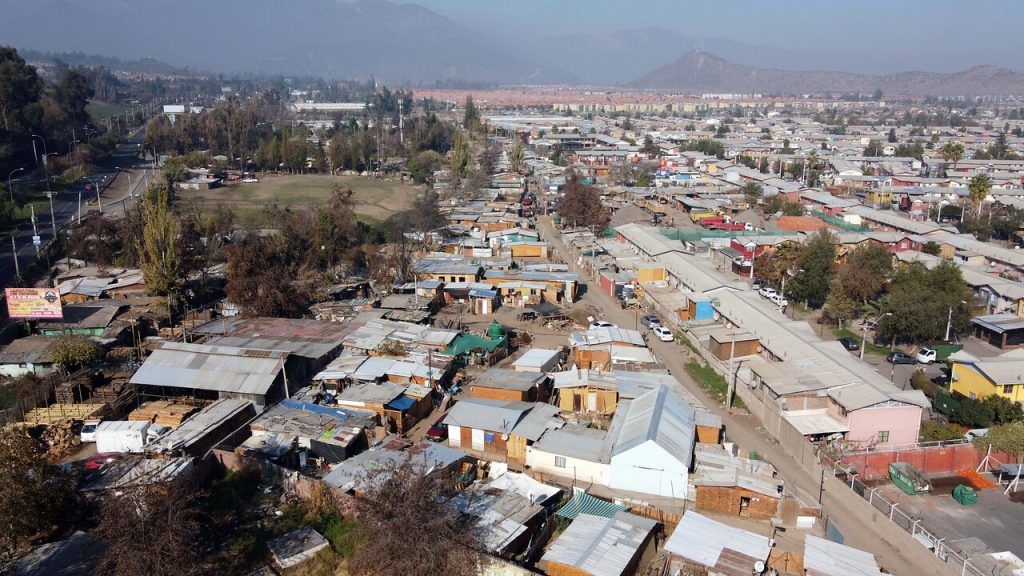 La «ciudad neoliberal»: Cómo se configuró la abismante exclusión territorial que devela el plebiscito