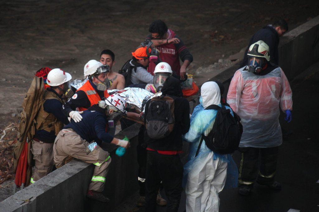 """""""Denuncié para que no tiraran a nadie más, pero volvió a ocurrir"""": El estremecedor relato de un manifestante arrojado al río Mapocho"""