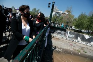 """Beatriz Sánchez: """"¿Cómo no te va a impactar la violencia desatada de Carabineros en la calle?"""""""