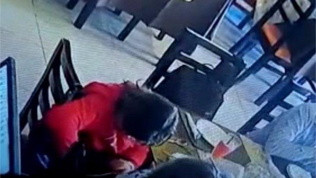 Seremi de la Mujer del Maule es acusada de robar 280 mil pesos en un restaurante