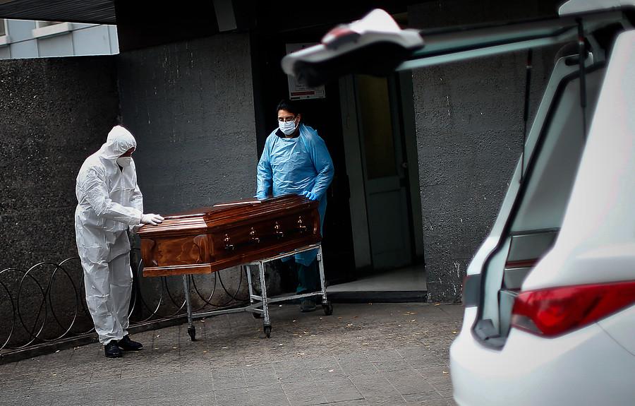 Las muertes invisibles de la pandemia: Más de 400 personas migrantes fallecieron por COVID-19 en la RM hasta agosto