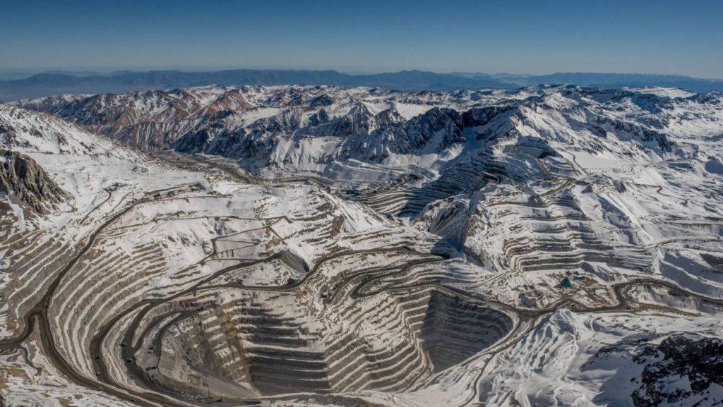 Codelco advierte que el 40% de su producción depende de la intervención de glaciares