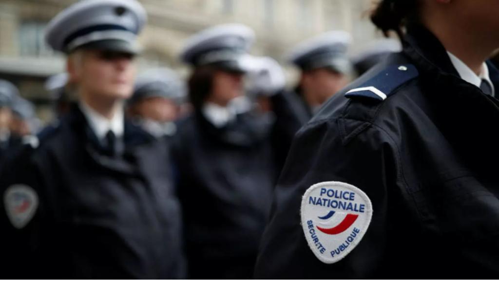 París: Profesor es decapitado en plena calle y la policía da muerte al presunto autor