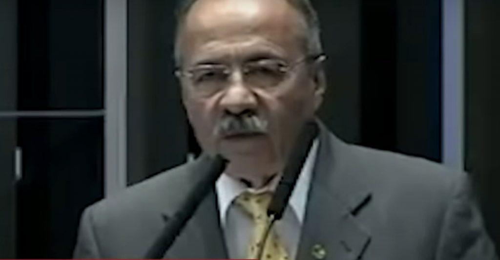 Encuentran dinero en la ropa interior de senador aliado de Bolsonaro durante operativo policial