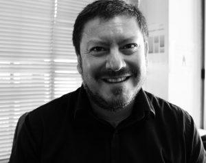 """Fabián Retamal, del magíster en Gestión Cultural de la U. Chile: """"Nuestros estudiantes deben ser actores relevantes en el sistema cultural"""""""