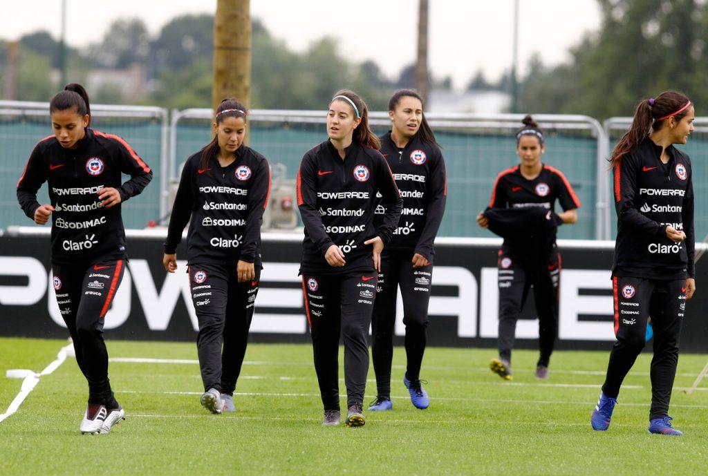 La Selección Chilena femenina comienza sus trabajos con miras a los amistosos ante Zambia