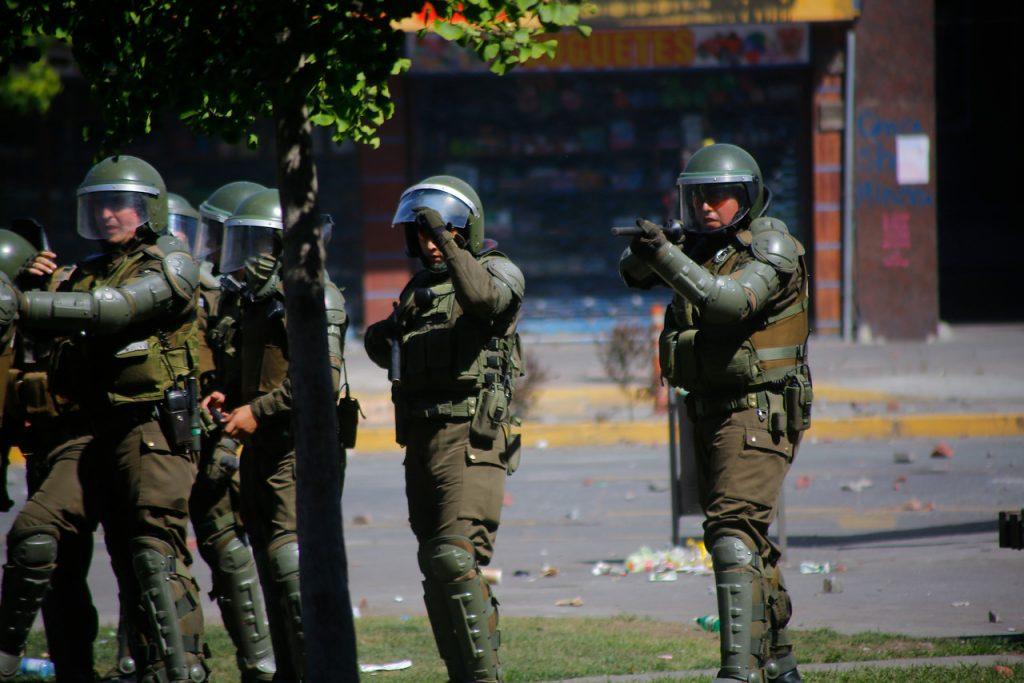 """Gobierno descarta que Carabineros pida perdón por represión en manifestaciones: """"Las condenas han sido escasas"""""""