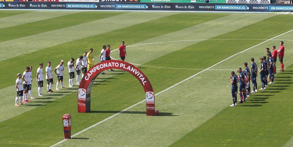 ¿Superclásico por el descenso?: Así van las tablas de posiciones que comprometen a dos clubes grandes en Chile