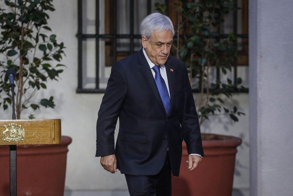 Parlamentarios de oposición dan por finalizada la administración Piñera y piden adelantar elecciones presidenciales