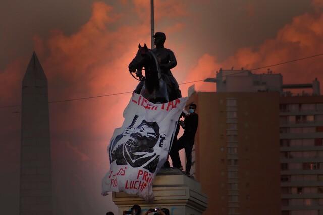 Gestión de Delgado en Interior comienza con fuerte represión de Carabineros en Plaza de la Dignidad